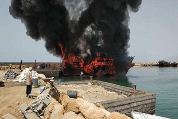 آتش سوزی 3 فروند لنج صیادی در بندر مُقام