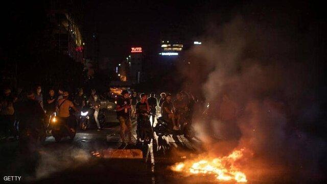 دومین شب اعتراضات در لبنان، نشست کاخ بعبدا برای حل بحران مالی