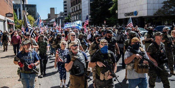 نگرانی آمریکایی ها از آشوب و هرج ومرج، خرید بی سابقه اسلحه و مایحتاج زندگی
