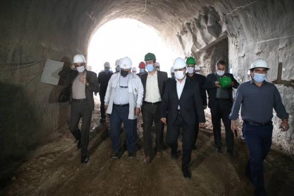 خبرنگاران مرحله نخست طرح قطار شهری قم در بهار امسال تکمیل شود