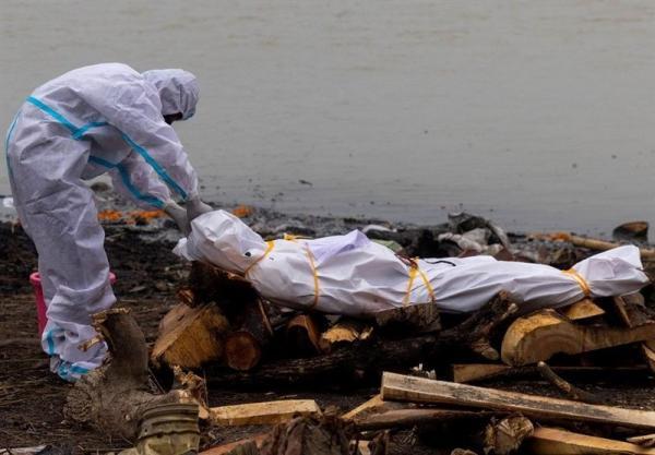 واکنش هند به رها کردن اجساد در رودخانه ها، اهدای 5000 روپیه برای هر خاکسپاری