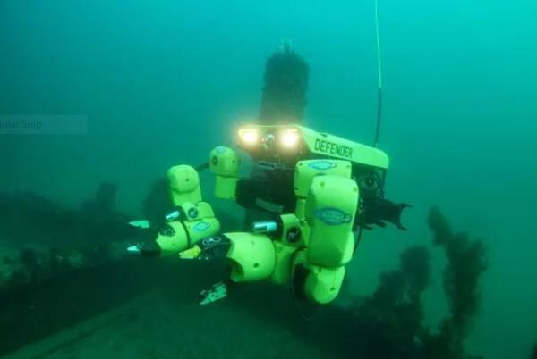خنثی کردن مین های دریایی با بازوی روباتیک خودران